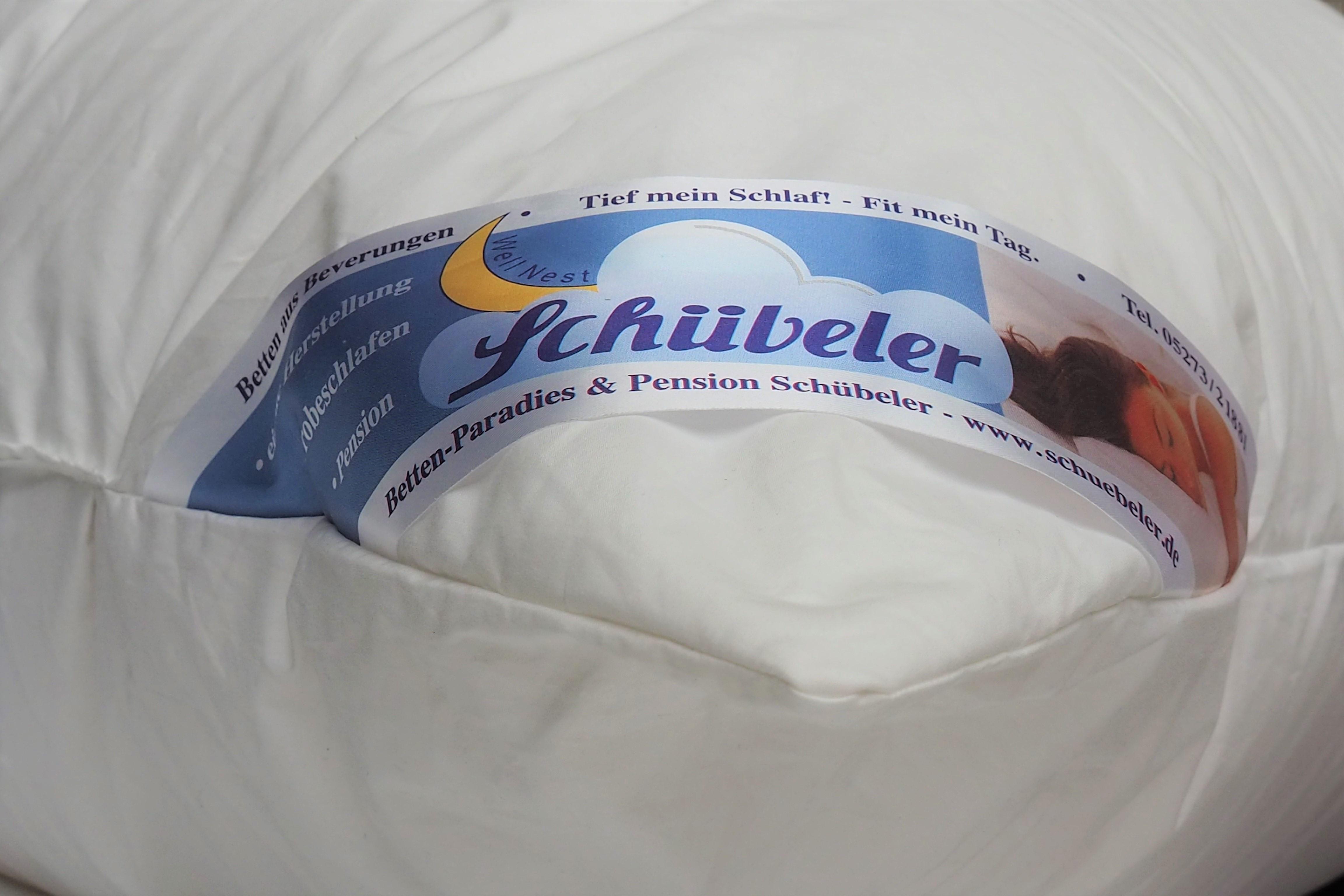 Kissen und Bettdecken aus eigener Herstellung